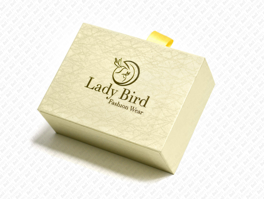 Luxury Clothing Packaging Boxes | Luxury apparel boxes
